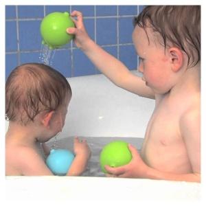 Plui Rainball (verde) Mingiuta senzoriala cu apa (MK43019)